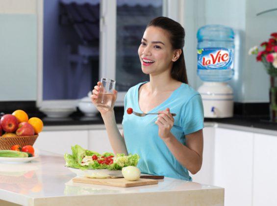Dịch vụ đổi bình nước lavie 20l giá rẻ tại Hà Nội